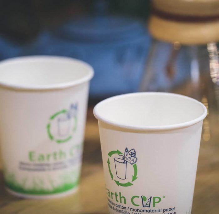 Coup double de l'Earth Cup® de Schisler, à la fois recyclable ou compostable à domicile